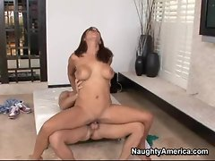 Thick and horny Mulani Rivera receives a load of jizz in her mouth