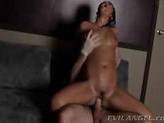 London Keys bounces her hot pussy on this hard dick