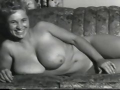 Virginia Bell Buxom 50&amp,#039,s Model