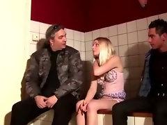 Amsterdam lingerie amateur blonde