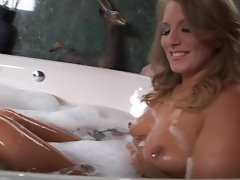 Porscha Ride leaves her bath to be anally screwed