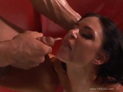 India Summers gets her face drizzled with warm cum