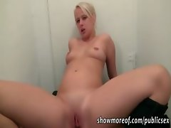 Amateur blonde girl analized in an apartment hallway