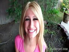 Blondie spreading pink snatch outdoor