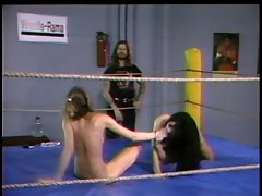 Nude Randy chicks in boxing ring oiled up