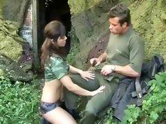 Military Girls - Antreten zum Ficken !
