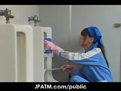 Public Sex in Japan - Asian Teens Exposed Outdoor 04