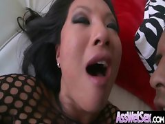 Big Butt Oiled Girl Get Anal Fucked clip-10