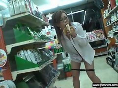 Sexy Teen Japanese Flashing Body In Public movie-31