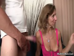 Granny fucks her daughter&#039_s BF and GF watches