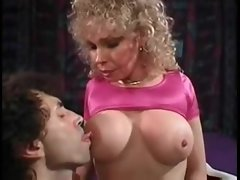 Retro milf pornstar slut has anal sex