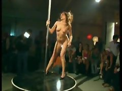 Girl dancing on the pole strips naked