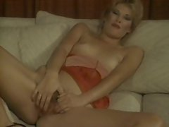 Retro porn with blonde banged in her ass