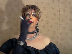 Fetish smoke hussy Mandy