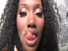 Nyomi Banxxx At The GloryHole
