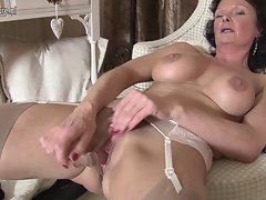 Sensual English Cougar loves to masturbate