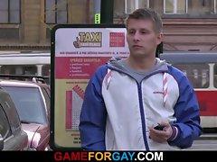 Smart gay seduces and screws taxi driver