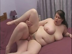 English Obese gets screwed on a squeaky bed!