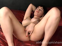 18yo and shaggy lassie Olive opens up her shaggy snatch