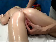 Blonde elaina raye gets oiled up for hot massage