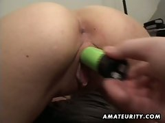 Bald dude fingers, licks and toys her amateur girlfriend