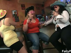 Three guys have fun with fat chicks