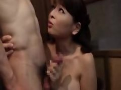 Japanese mom vs granny