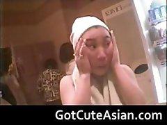 Voyeur Japanese teens in the locker room part5