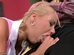 Nikky Thorne, horny blonde with big butt, fills her mouth with big dick pole
