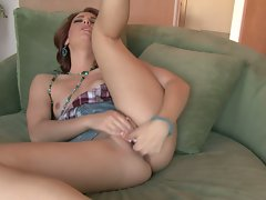 Dani Jensen waited all day to finger her hole and get off on the couch