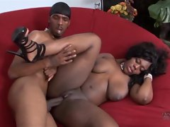 Beautiful black honey has her jebbs jizzed