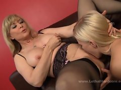 The pussy juice makes the milf Nina Hartley suck deep into the pussy