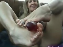 Sexy hot mature Vanylla gives a foot job