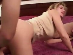 Cougar mom is fond of threesomes