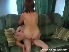 Russian mom gets fucked by stranger