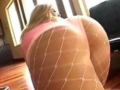 Carmen Kinsley fingers her butt as creamy spunk squirts on her meaty ass