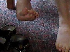 Hottie feet tease Part I