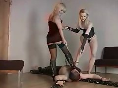 BDSM Footworship