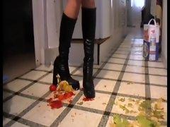 Boot Food Crushing