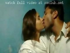 mallu lover kissing video