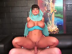 Super milf slut Lisa Ann shows her magic as a cock riding genie
