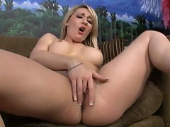 McKenzie Miles and Missy woods are squirting sisters