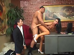 India Summers enjoys getting her moist pussy slammed