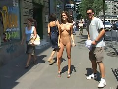 Undessing on the street Musicvideo