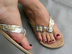 Feet 22 ( Flip Flops )