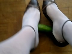 Shoejob with nylons and toe cleavage high heels
