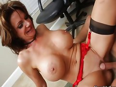 Deauxma loves getting pounded by cock
