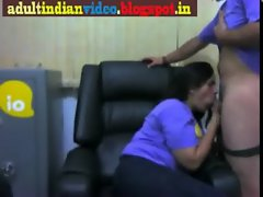 OFFICE AUNTY AND MAN IN OFFICE UNIFORM SHE WANT TO RECORD CLOSELY WOWWW…_(new)