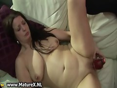 Slutty mature housewife loves to fuck