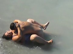 Fatty Lady Screwed In The Sea by A local Chap On Her Vacation